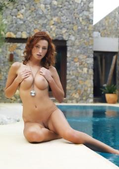 Nude Sienna