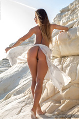 Justyna Gets Naked On The Beach