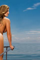 Naked Beauty Viviane Bordin